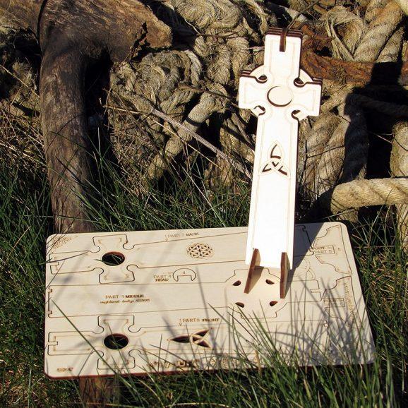 A4 Celtic Cross Card